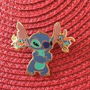Disneyland Resort stitch pin